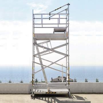 Wind resistant mobile scaffolding